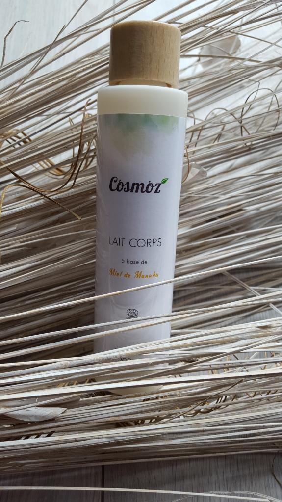 lait-corps-cosmoz-avis-bullesdetestschezflorette (5)