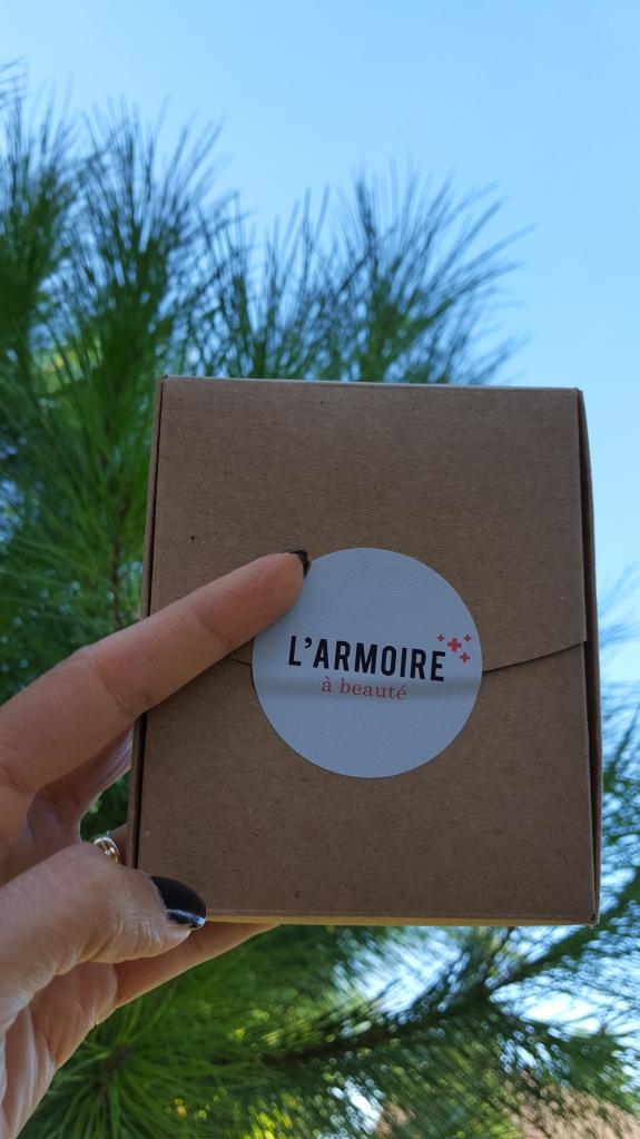 armoire-a-beaut-avis-bullesdetestschezflorette (1)