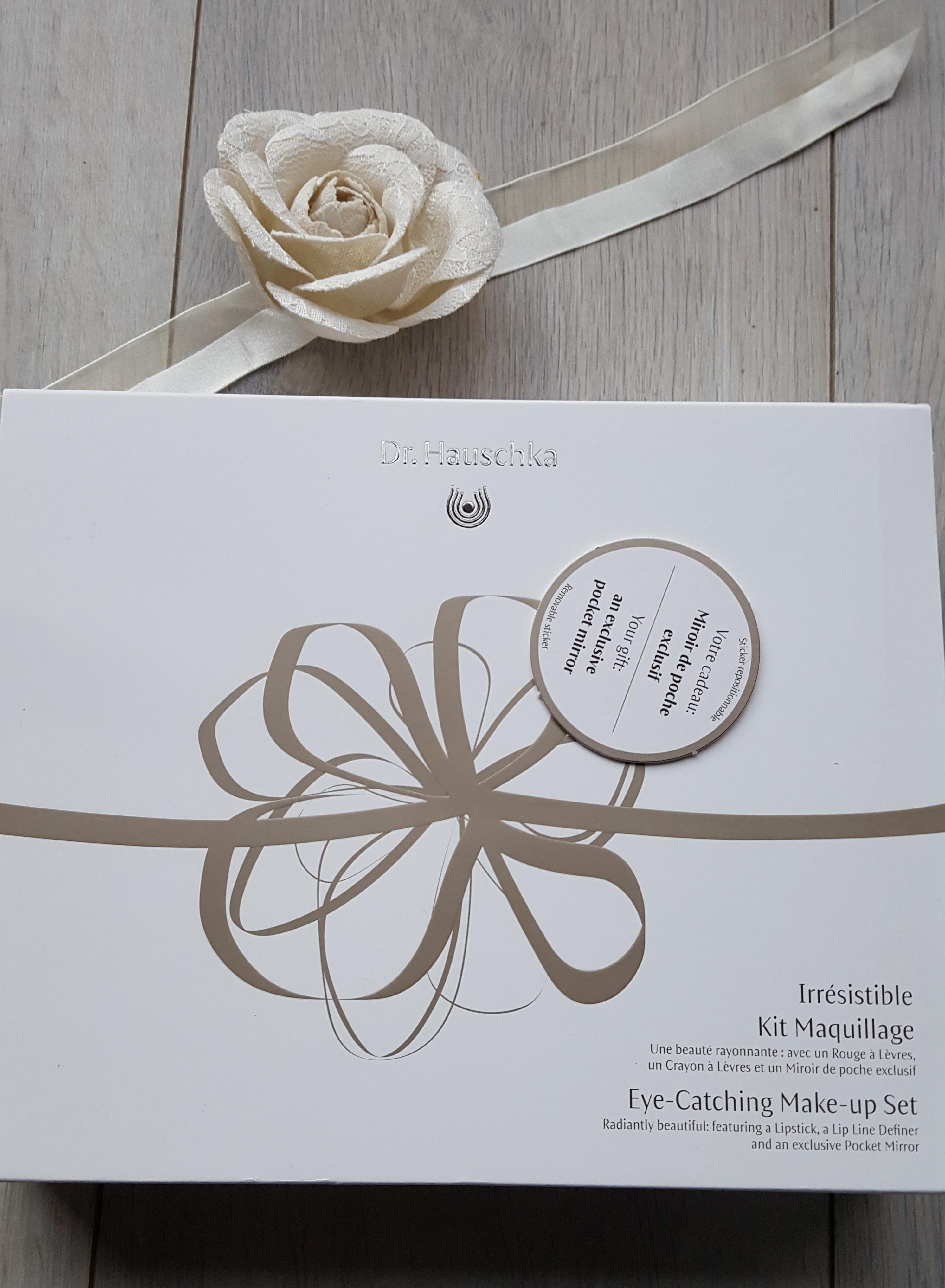 kit-maquillage-irresistible-drhauschka-bullesdetestschezflorette-3.jpg