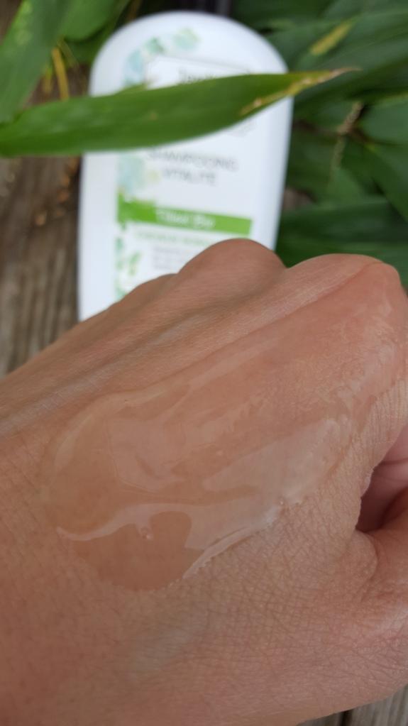 shampooing-bio-jardin-apothicaire-avis-bullesdetestschezflorette (2)