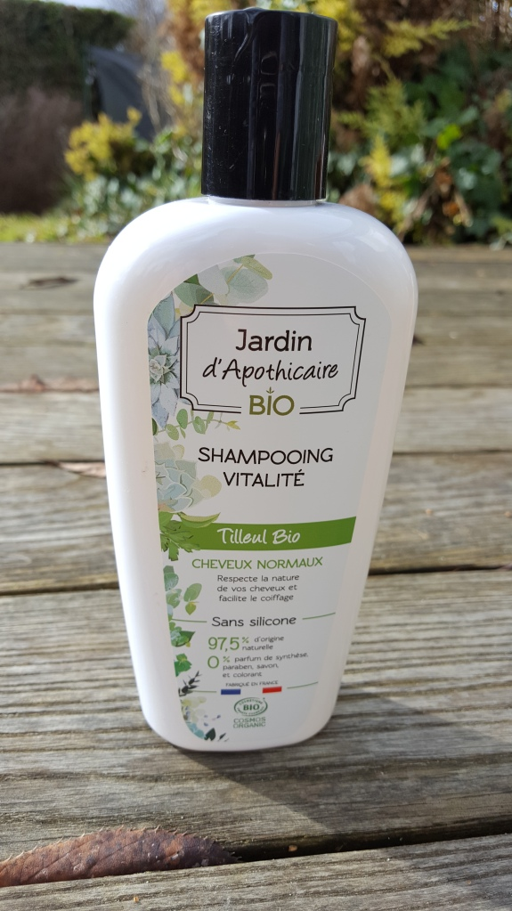 shampooing-bio-jardin-apothicaire-avis-bullesdetestschezflorette (3)