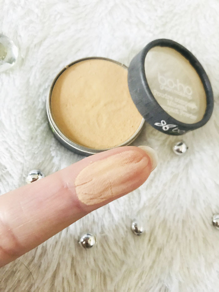 poudre-compacte-mineral-eboho-green-poudre-teint-routine-makeup